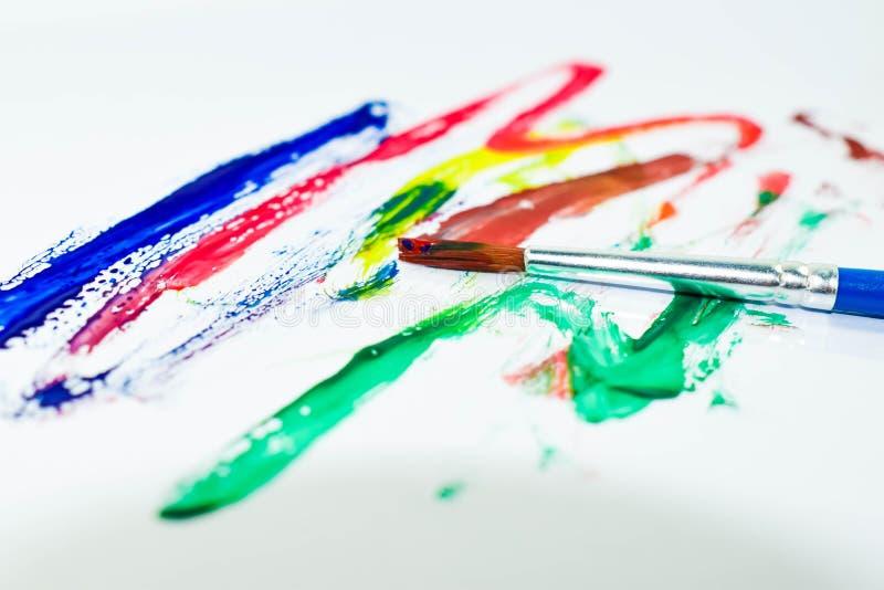 Cor e escova de pintura fotos de stock