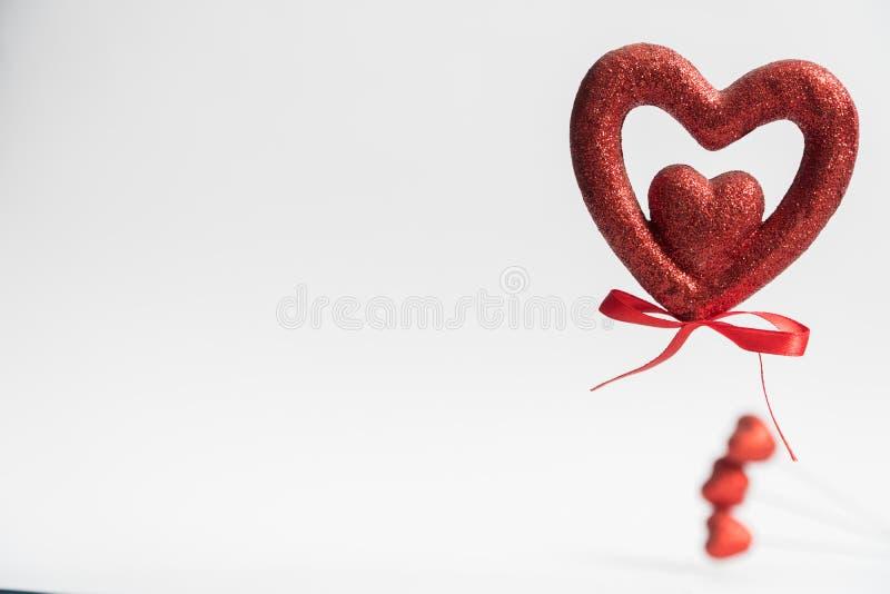 Coração congratulation Coração no fundo branco O dia de Valentim de dia de Valentim ilustração royalty free