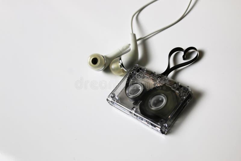 Coração da forma da fita da cassete áudio imagens de stock