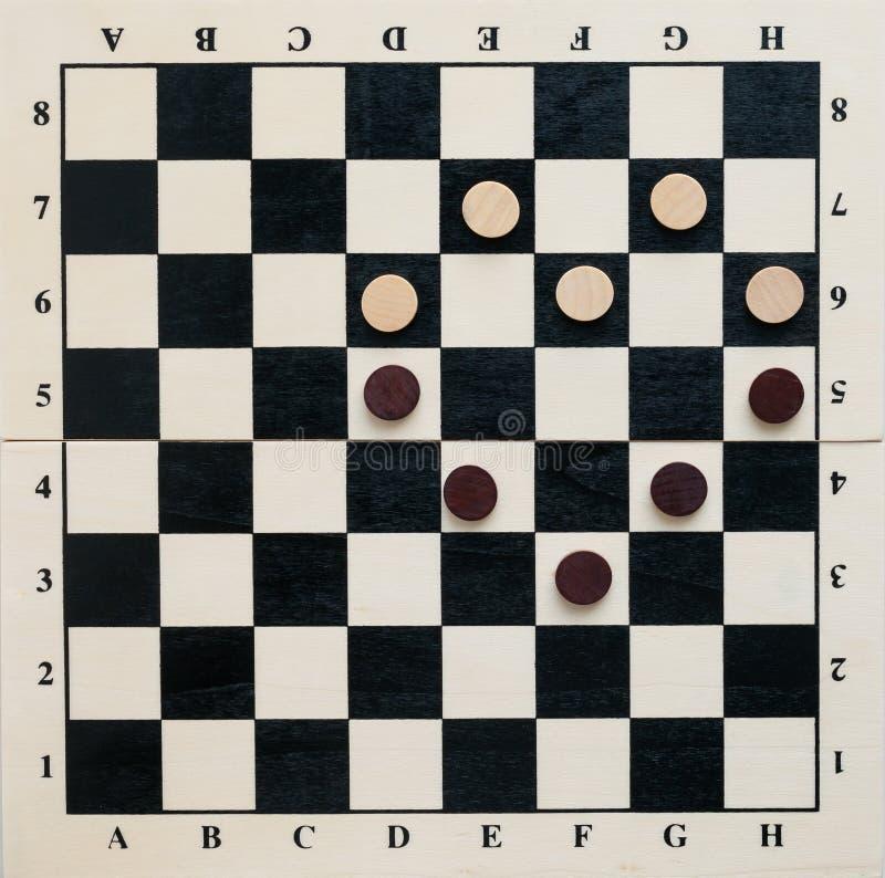 Coração das microplaquetas em um tabuleiro de xadrez imagens de stock