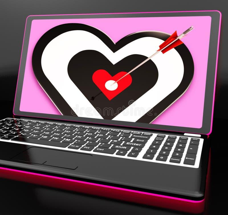Coração do alvo no portátil que mostra a paixão