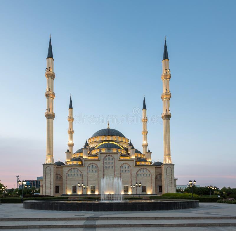 Coração do ` da mesquita do ` de Chechnya no alvorecer fotos de stock