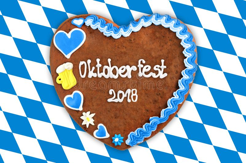 Coração 2018 do pão-de-espécie de Oktoberfest com a bandeira bávara azul branca ilustração do vetor