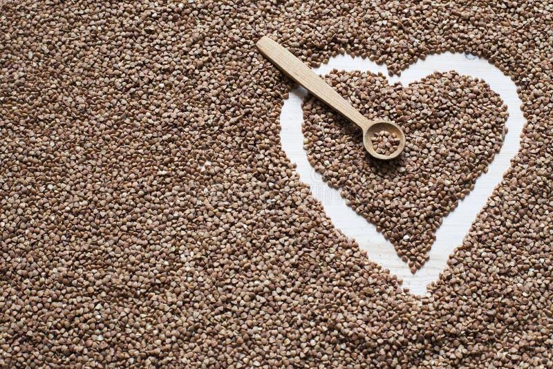 Coração feito com trigo mourisco fotografia de stock royalty free