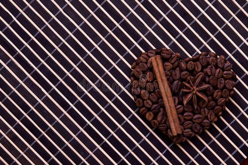 Coração feito a mão do café fotos de stock royalty free
