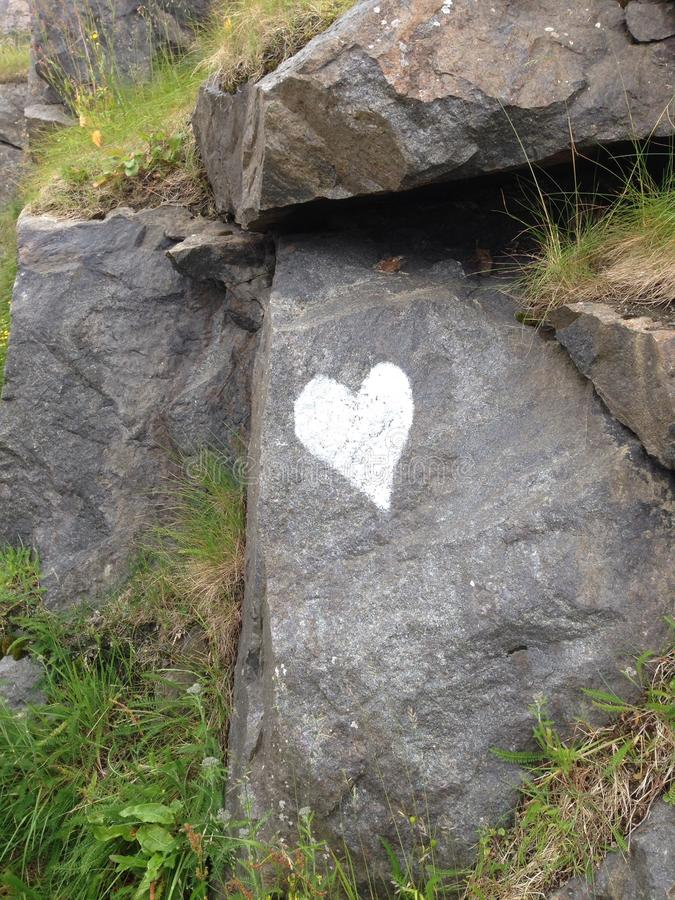 Coração na rocha fotografia de stock royalty free