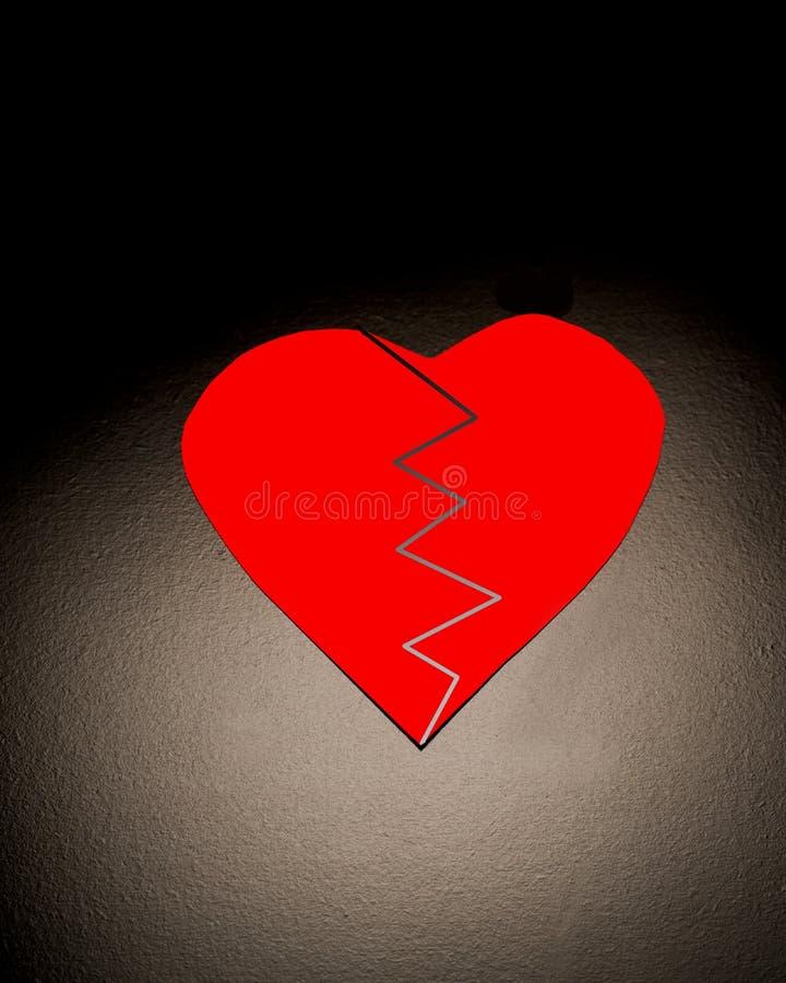 Coração quebrado vermelho fotos de stock