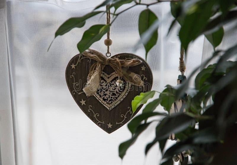Coração retro da decoração do pendente imagens de stock
