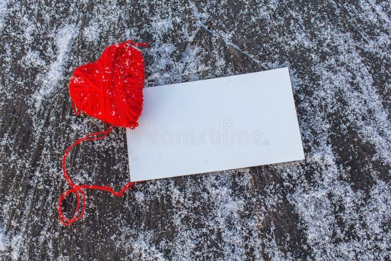 Download Coração Vermelho E Cartão Vazio Imagem de Stock - Imagem de fundo, cartaz: 65576439