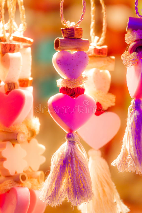 Corações de néon Kitschy imagens de stock royalty free