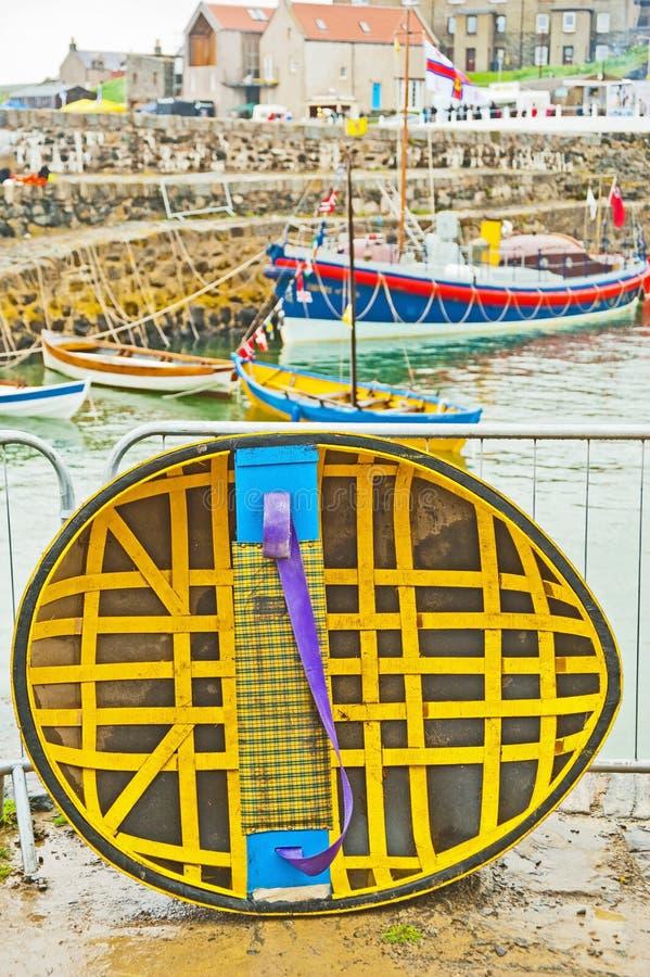 Coracle au festival de bateau de Portsoy image libre de droits