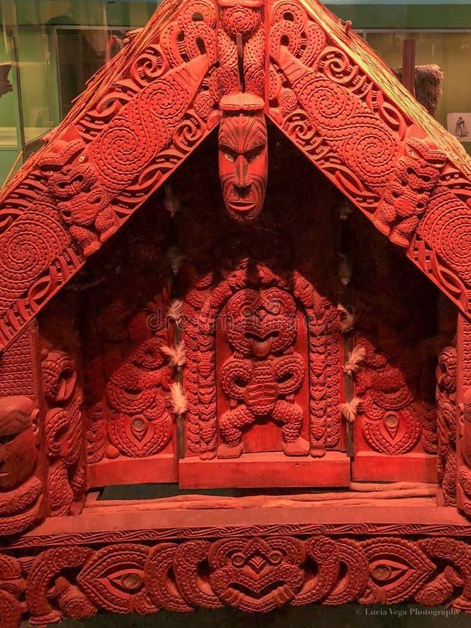 Coral Chinese Artifact Displayed vermelha fotos de stock royalty free