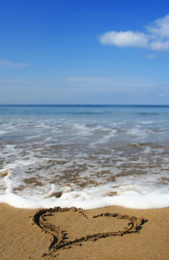 Corazón de la playa fotos de archivo