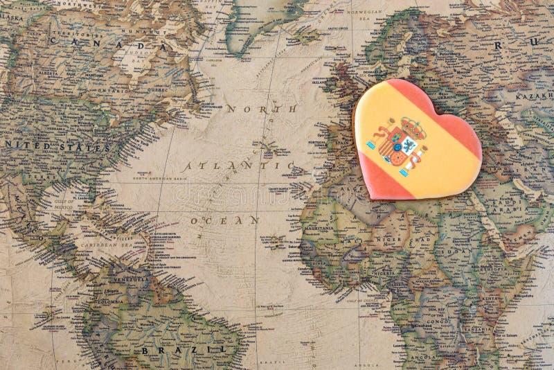 Corazón del concepto de España del amor en mapa imagenes de archivo