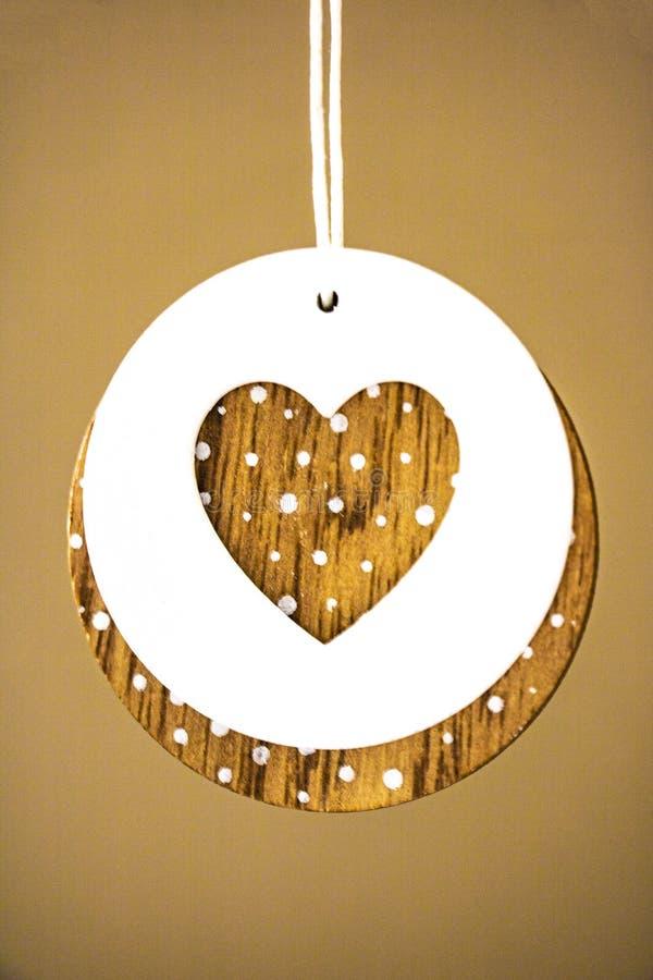 Corazón del estilo del vintage en el fondo de madera rústico, espacio del texto Concepto de la tarjeta del día de tarjetas del dí fotografía de archivo libre de regalías