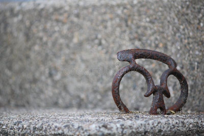 Corazón en el cemento imagen de archivo libre de regalías
