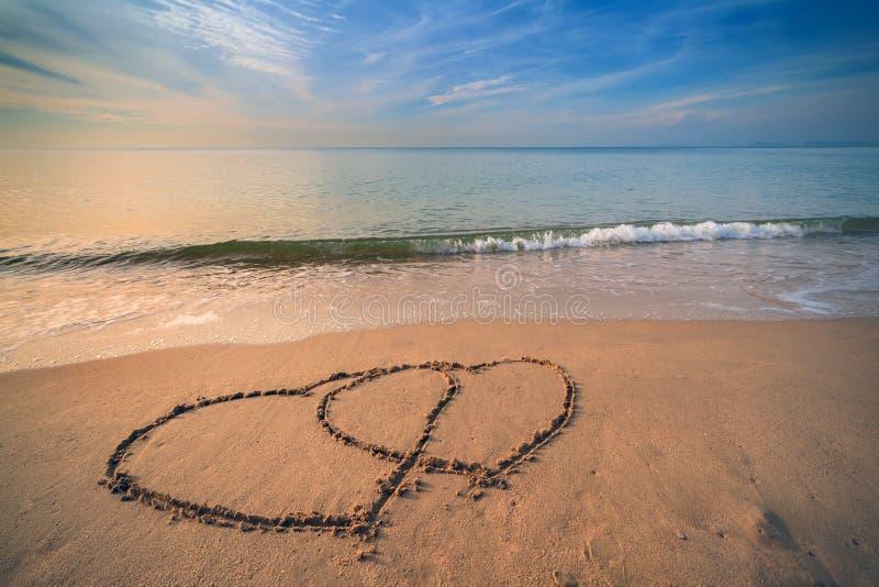 Corazón en la playa foto de archivo libre de regalías