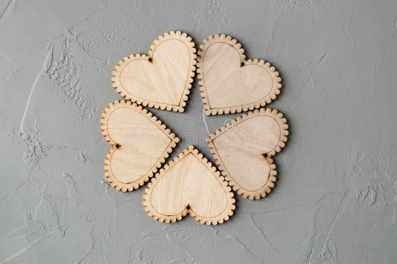 Download Corazones de madera imagen de archivo. Imagen de moderno - 100532969
