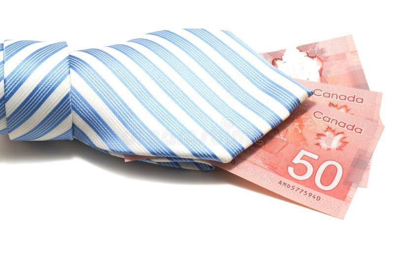 Corbata y 50 dólares canadienses imagen de archivo libre de regalías