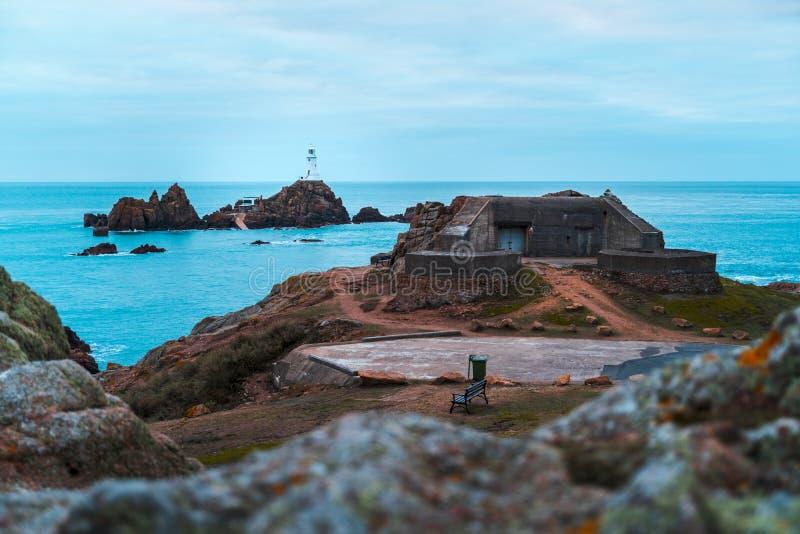 Corbiere latarni morskiej obsiadanie na wyspie obraz stock