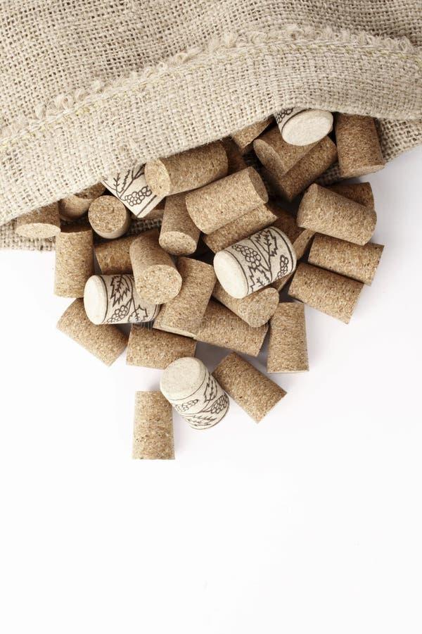 Corchos del vino en un saco fotos de archivo libres de regalías