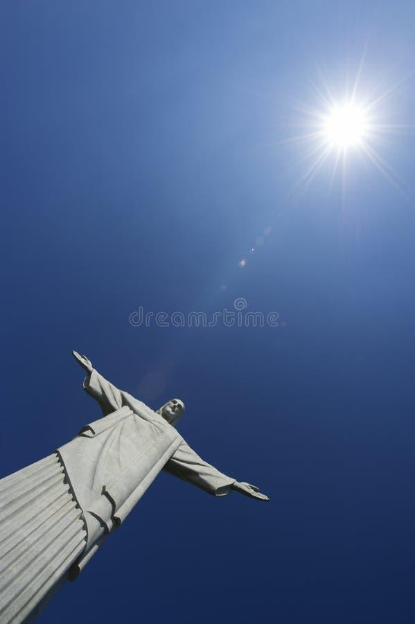 Corcovado Christ der Redeemer-blaue Himmel Sun Vertica stockbild
