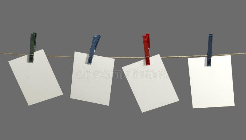 Corda da bucato ed etichette fotografia stock libera da diritti