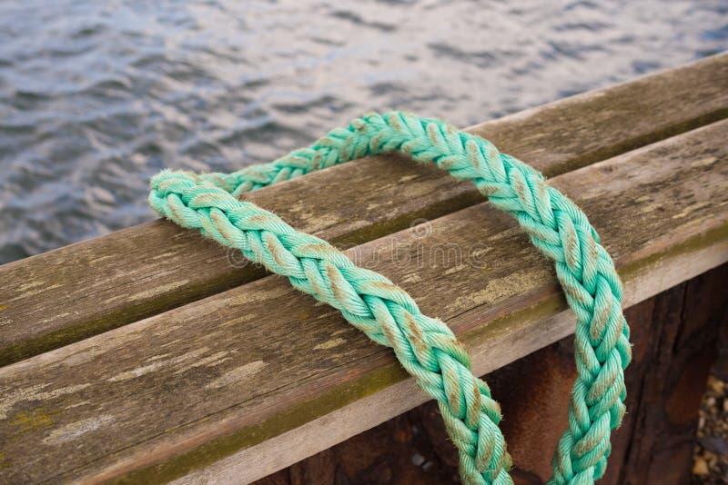 Corda di barca verde fotografia stock
