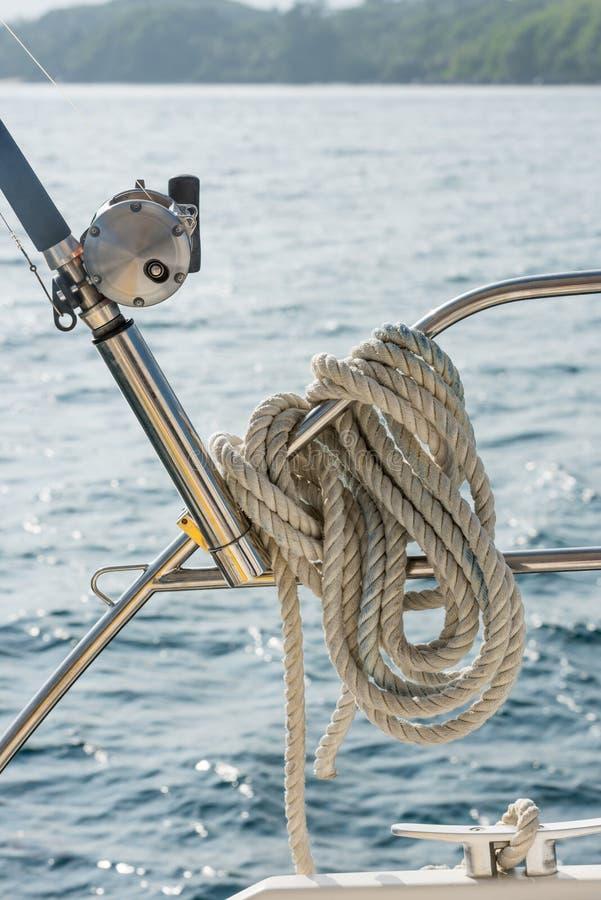 Corda náutica da amarração imagem de stock royalty free