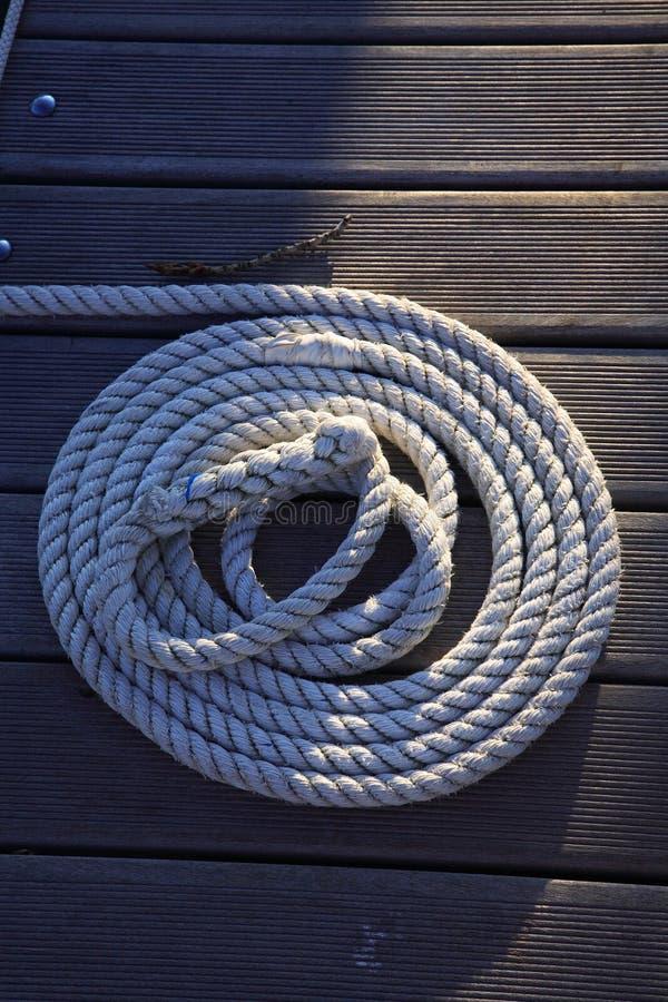 Corda sul legno immagine stock