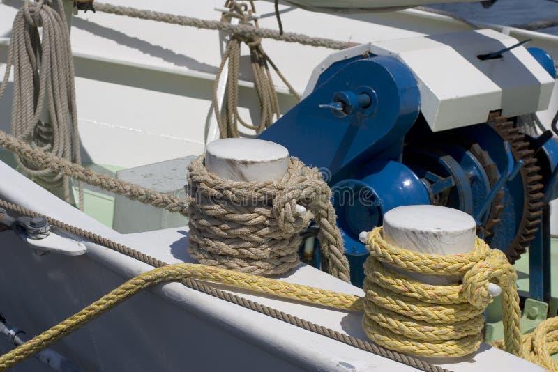 Download Cordas imagem de stock. Imagem de equipamento, nylon, torcido - 528847