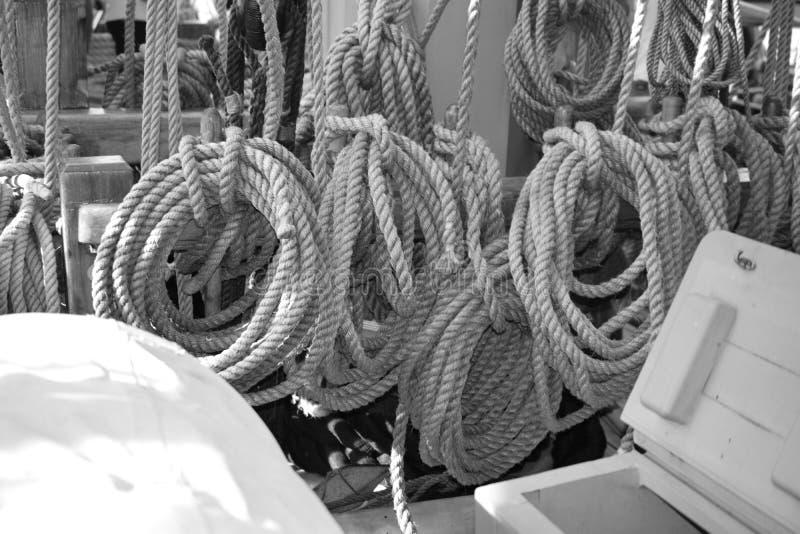 Cordas da amarração foto de stock royalty free