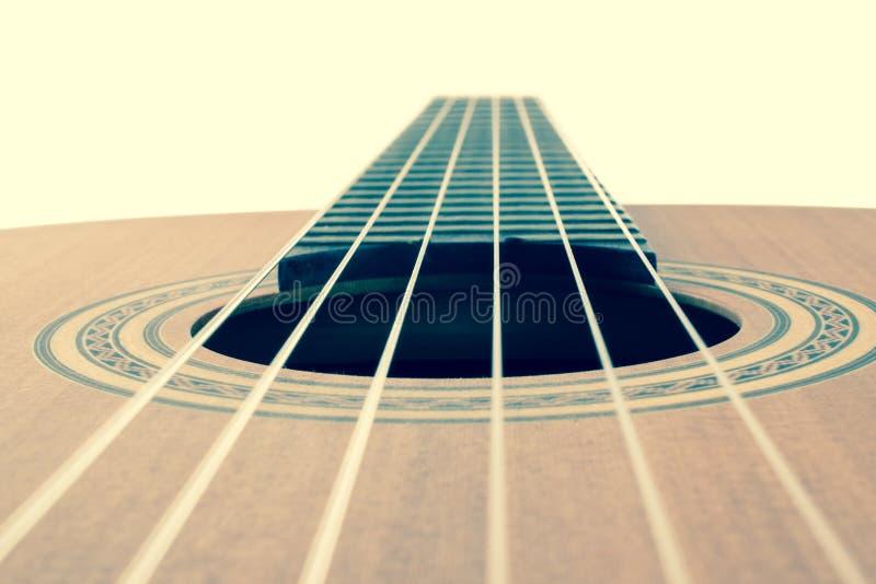 Cordas da guitarra, fim acima imagens de stock