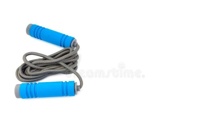 Corde à sauter ou corde à sauter d'isolement sur le fond blanc photo libre de droits