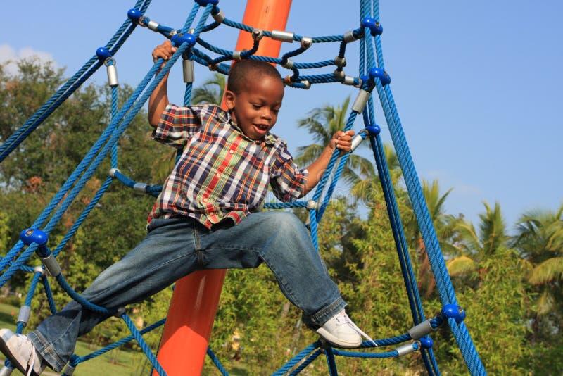 Corde rampicanti del bambino fotografie stock