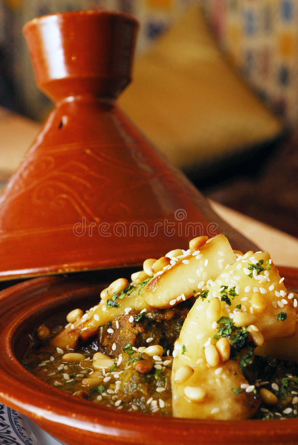 Cordeiro cozido com vegetais imagem de stock royalty free