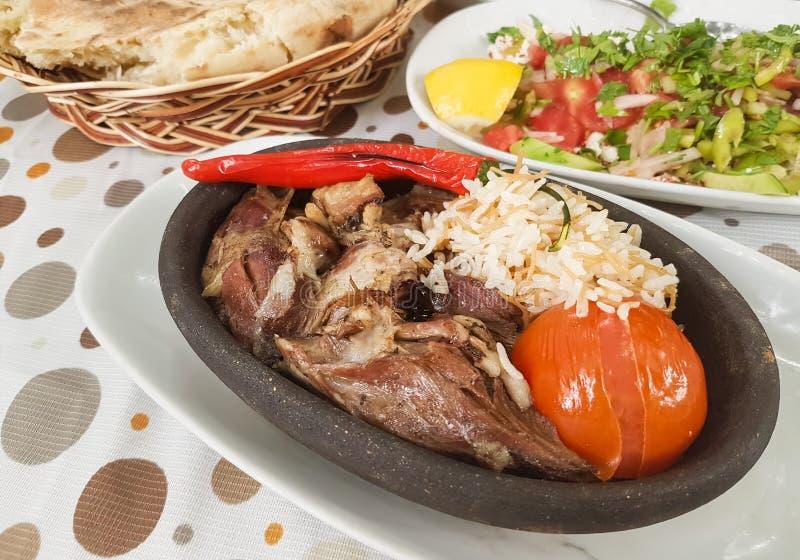 Cordeiro turco Tandoori/Kuzu Tandir Kebap do no espeto do alimento da carne imagens de stock