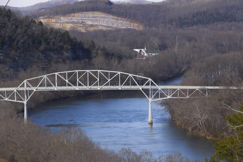 Cordell-Rumpf-Erinnerungsbrücke in Karthago Tennessee stockfotos