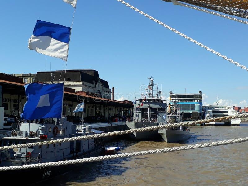 Cordes et drapeaux photos stock
