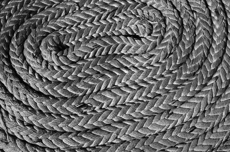 Cordes tressées dans les baies sur un navire de navigation antique photographie stock