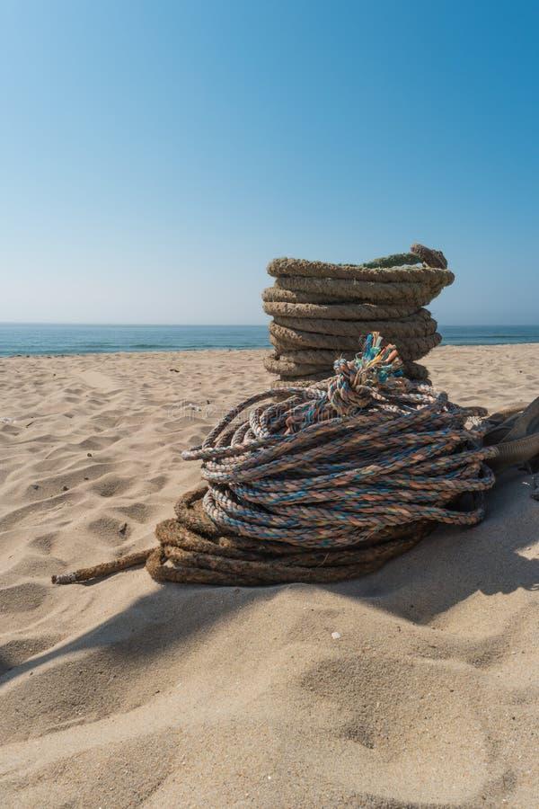 Cordes utilisées pour la pêche de pêche au chalut artisanale Cordes pour Arte Xa photo libre de droits