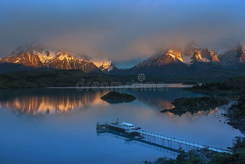 Cordigliera del Paine - Torres del Paine - Patagonia - Cile immagine stock