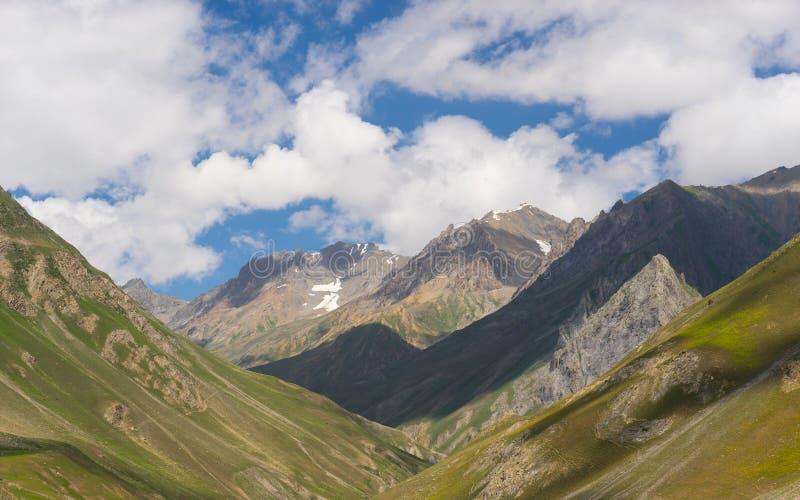Cordilheira bonita no verão, Jammu Kashmir de Karakorum, Ind foto de stock royalty free