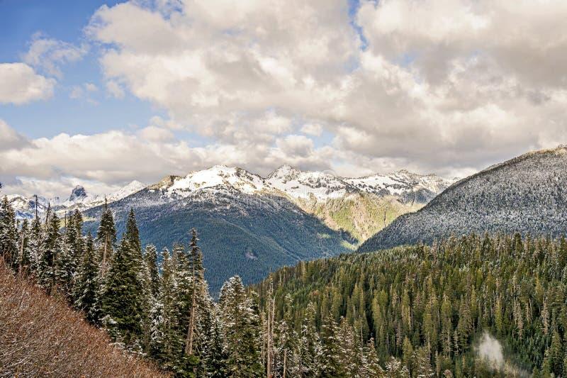 Cordilheira das Cascades do Norte imagens de stock royalty free