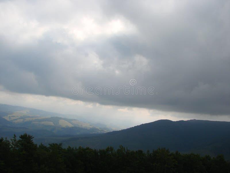 Cordillera de Borzhava de los Cárpatos ucranianos en la región transcarpática ucrania Verano 2016 fotografía de archivo libre de regalías