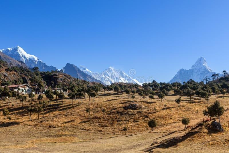 Cordillera de Himalaya en el nacional de Sagarmatha fotografía de archivo libre de regalías