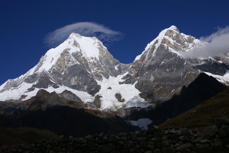Cordillera Huayhuash, Yerupaja stock foto