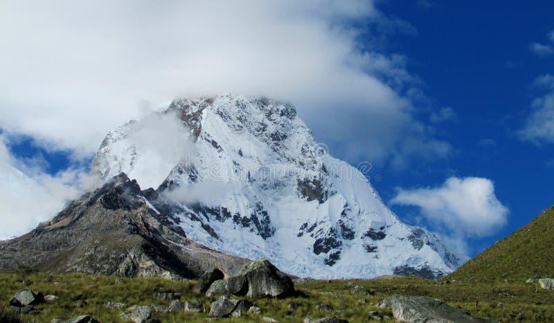 Cordillerablanca bergen stock afbeelding
