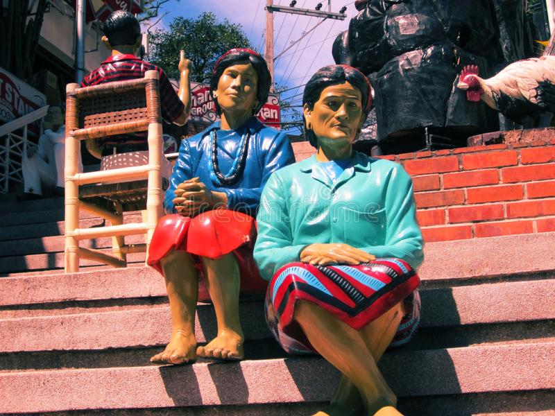 Cordilleran Statuen lizenzfreie stockfotos