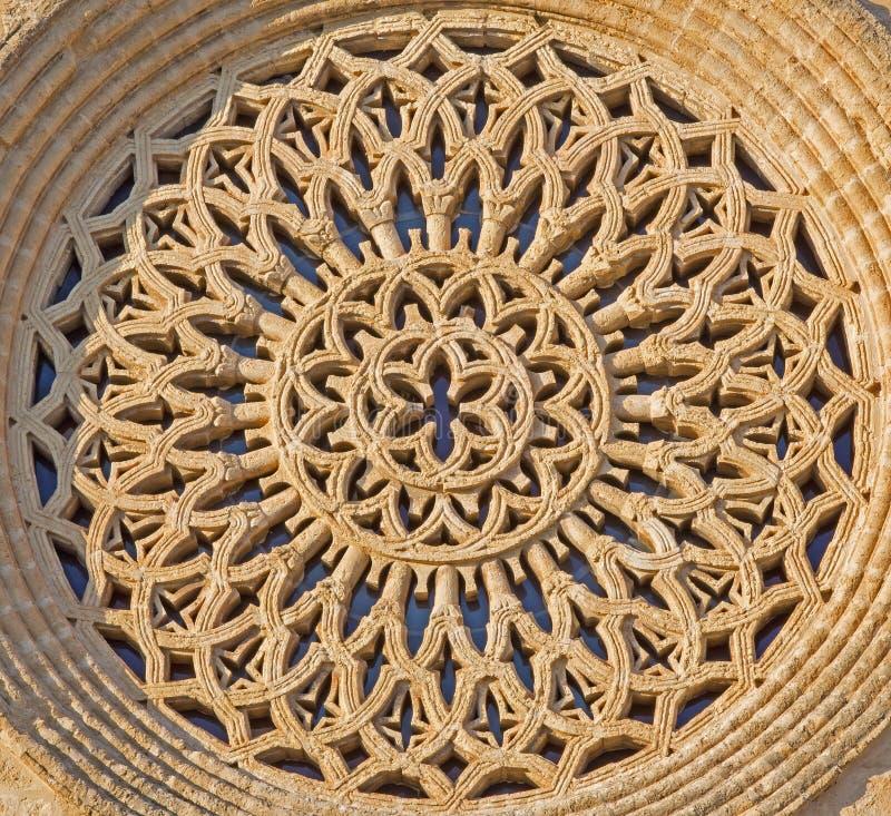 Cordoba - den gotiska rosetten av kyrkliga Iglesia de San Lorenzo royaltyfri fotografi
